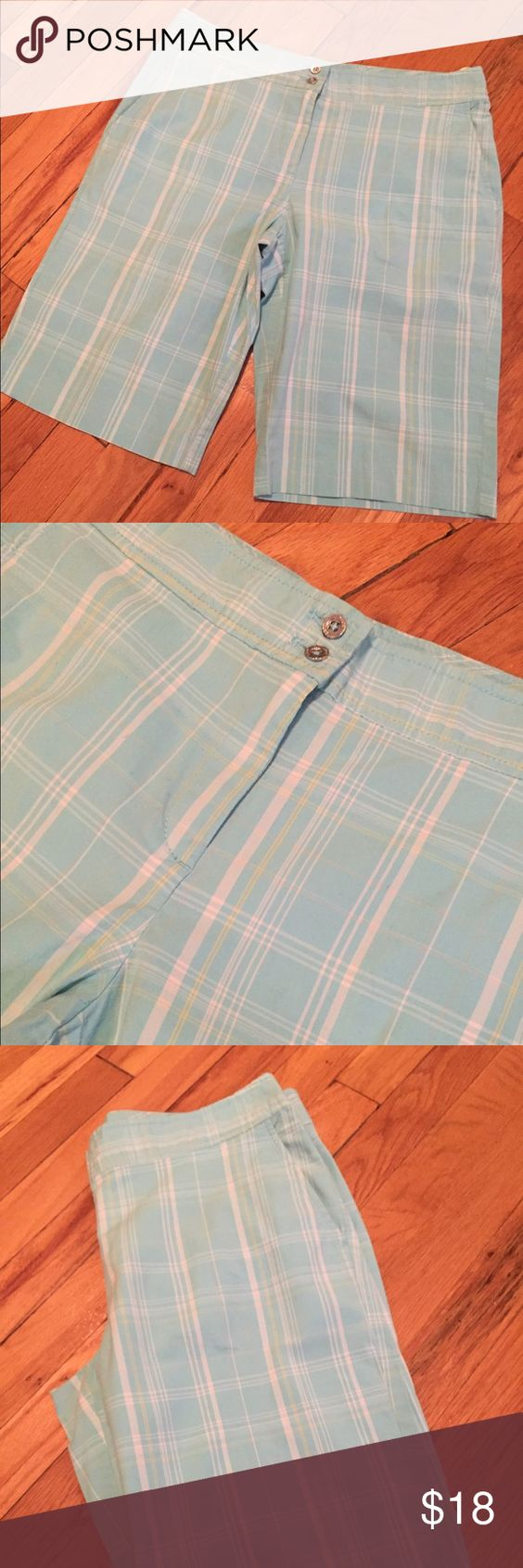 IZOD Bermuda shorts Worn once. Great color for the summer Izod Shorts Bermudas