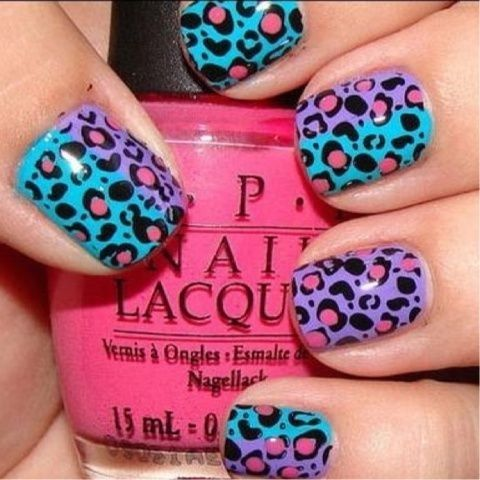Leopard in purple and turqouise !