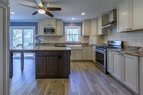 2733 Eagle Ridge Rd Marietta Ga 30062 Kitchen Kitchen Cabinets Home