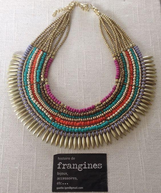 Collier ethnique chic....de la couleur pour vos tenues ....33 euros pièce ... Pour commander :gaelle.lpm@gmail.com...frais de port offerts (malgré le poids du collier!)