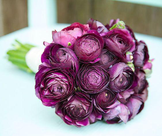 Ranunculus bouquet wedding and elegant flowers