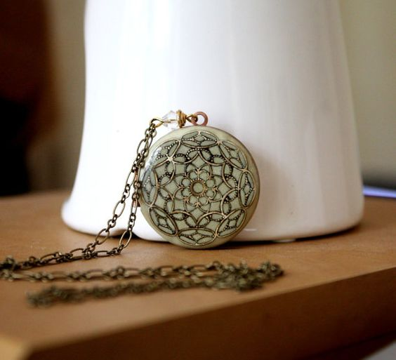 Enameled Locket....I absolutely LOVE lockets!!!!!