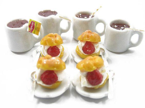 Material : Clay, Ceramic, Tin Condition : 100% Brand New Quantity : 4 Dessert Spoons (Size : 1.5 cm) 4 Mini Cake On Ceramic Plate $10.99