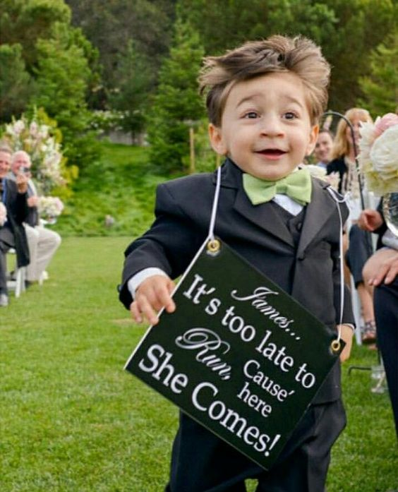 23 Tiny Wedding Guests With Very Big Personalities: