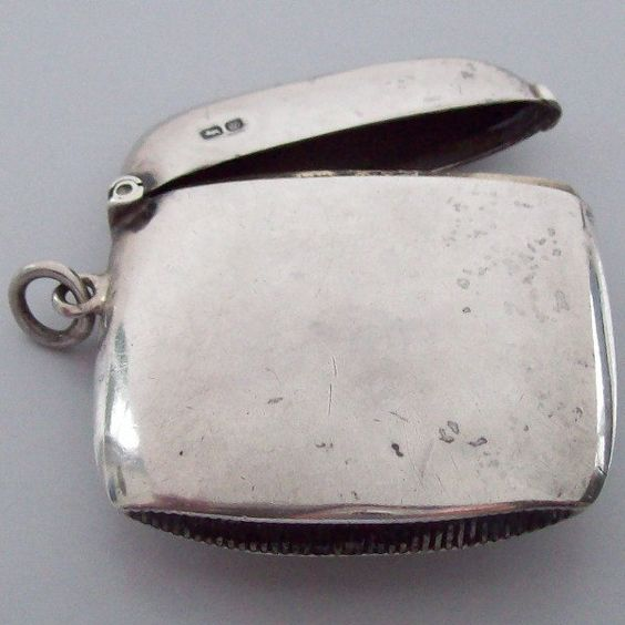 1904 Vesta Case English Sterling Silver Chester Edwardian