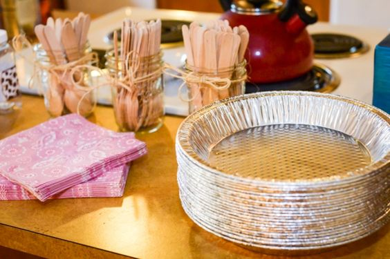 Cowgirl Party Plates - Use pie tins