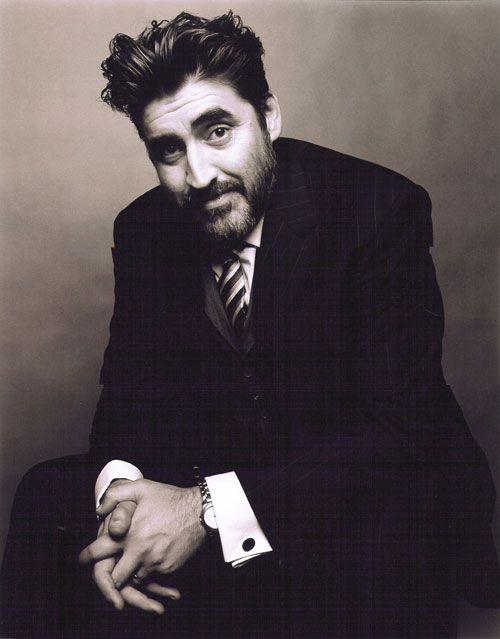 Alfred Molina nació es Londres, su padre es español y su madre italiana