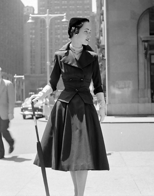 City fashions, photo by Nina Leen, 1951