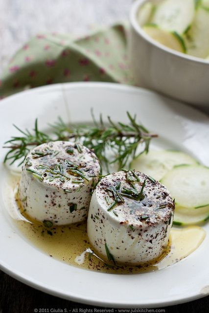 Marinated fresh goat cheese