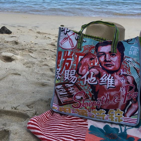 #strength #power #beach #instabeach #islandlife #gotoreunion #LaReunion #reunionisland #ilivewhereyouvacation #sand #sea by sith_ation