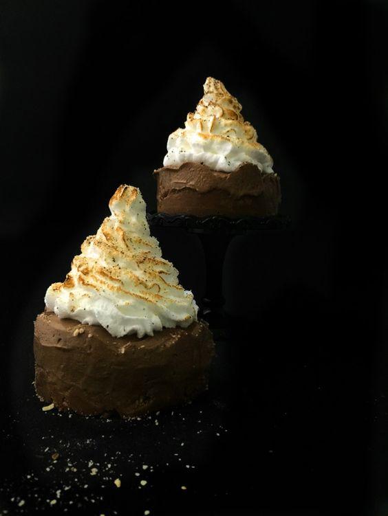 Nutella-Bananen Cheesecake mit Baiser Topping - Nutella-Butterkeks-Knusperboden mit Bananen-Frischkäse-Nutella-Creme und Baiser-Topping