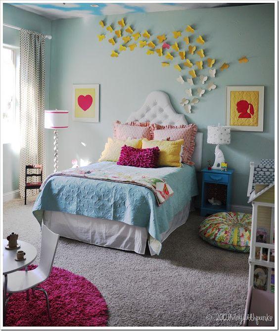 love the headboard for a little girl's room