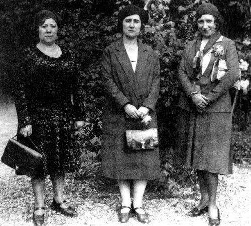 Clara Campoamor y dos colegas