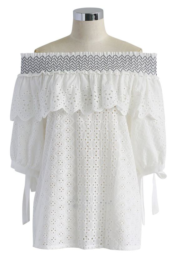Off the shoulder is such a big trend for Summer. Dress your best with this Eyelet off the shoulder top under $50!