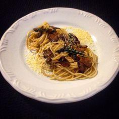 Espaguete ao molho de sálvia na manteiga com cogumelos. #RosaNaCozinha   Comida direto ao ponto