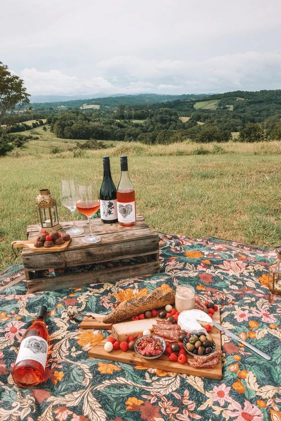 Q&A with Down the Rabbit Hole Wine's Elise & Dom – Wandering Folk