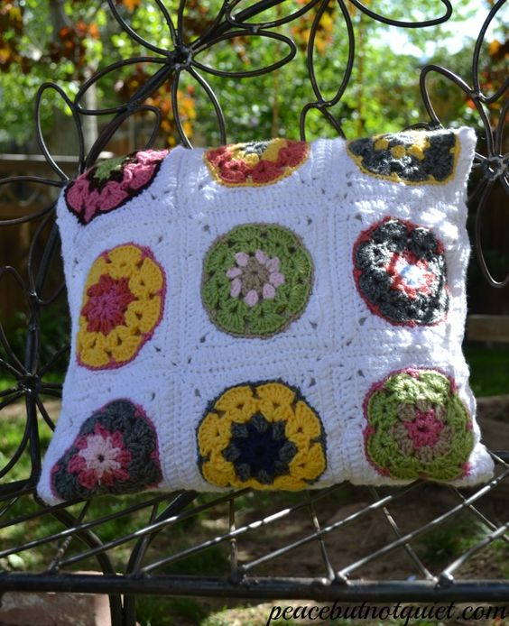 My Favorite New #Crochet Project -- a Fun, Colorful, Easy #GrannySquare Pillow! This would be a great handmade #wedding or birthday present...