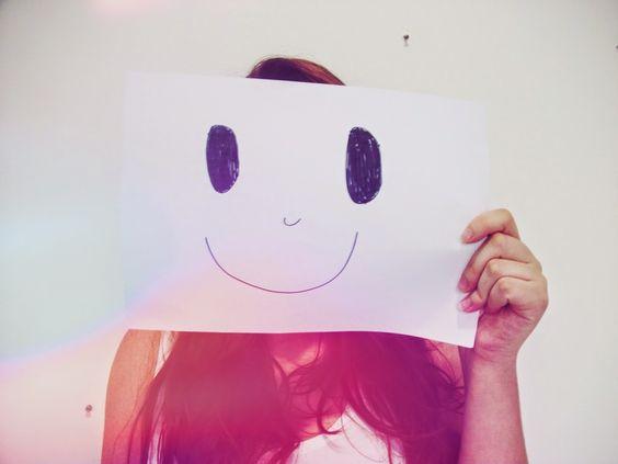 Já parou para pensar no que te faz feliz? Eu já e acabei de postar lá no blog! Venha saber no Clicks dessa semana o que me deixa alegre1 http://goo.gl/O9GYzc