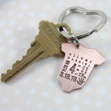 baby stats keyring - great gift for new mom or new dad, baby announcement, personalized baby stats