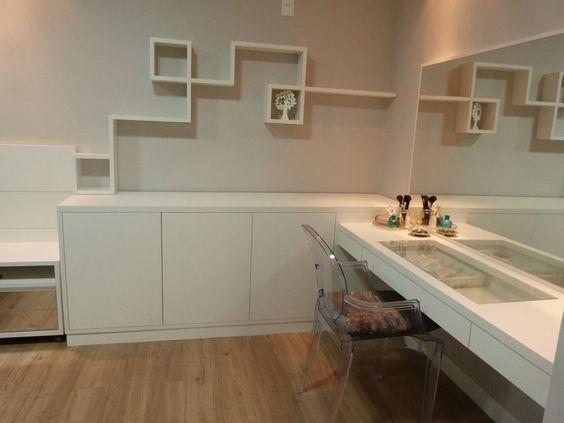 Penteadeira Bancadas e nichos no quarto do casal Quarto  ~ Bancada No Quarto