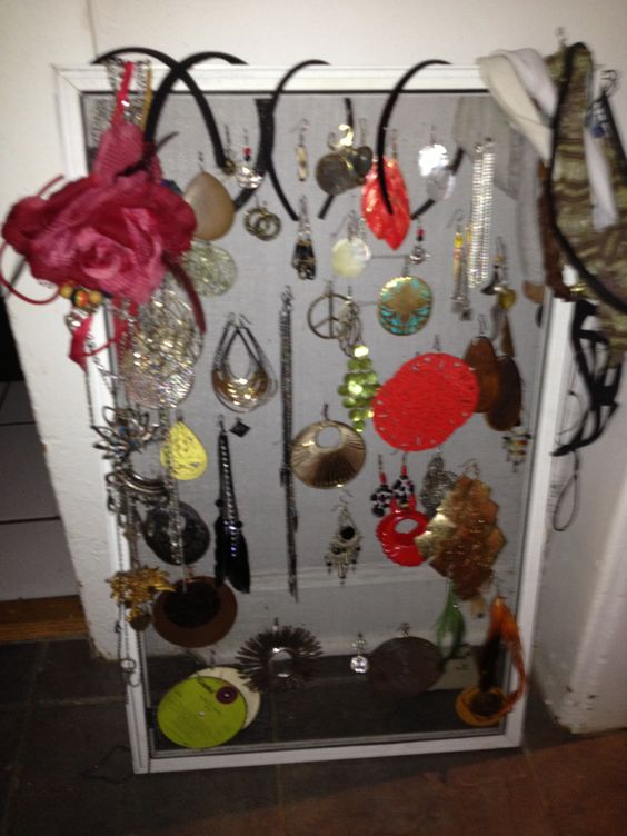 Old window Screen > Earring Organizer and Pretty Display!