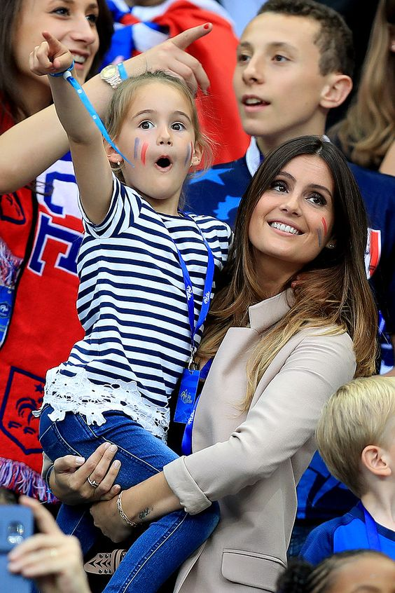 Bien-aimé Marine & Anna-Rose Lloris : Hugo Lloris wife and daughter  KP16