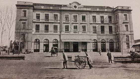 La estación de Aragon recibia en 1908 los trenes que venian del norte de la ciudad,y se encontraba en la actual plaza de Aragon