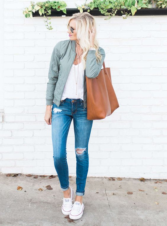 Bomber jacket style - Sydne Style sydne-style-shows-how-to-wear-the-bomber-jacket-trend-with-outfit-ideas-from-mckenna-bleu