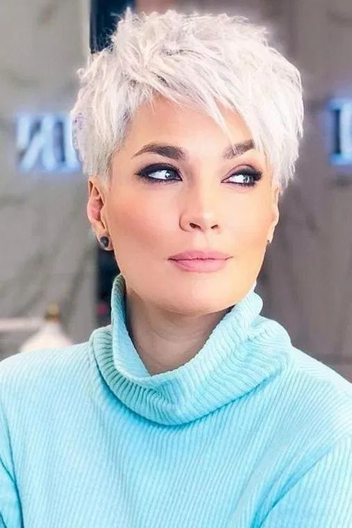 24 Fashionable Hair Color Ideas For Long And Short Hair In 2020 : homedesigndecorideas.com #Fashionable #Hair #Color #Ideas #LongHair #ShortHair #2020
