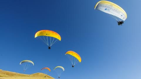 Paragliding Lenk Gleitschirm-Passagierflug | #Outdoorgutschein | #Onlinegutscheine  http://site.gurado.de/referenzen/outdoor-gutscheine