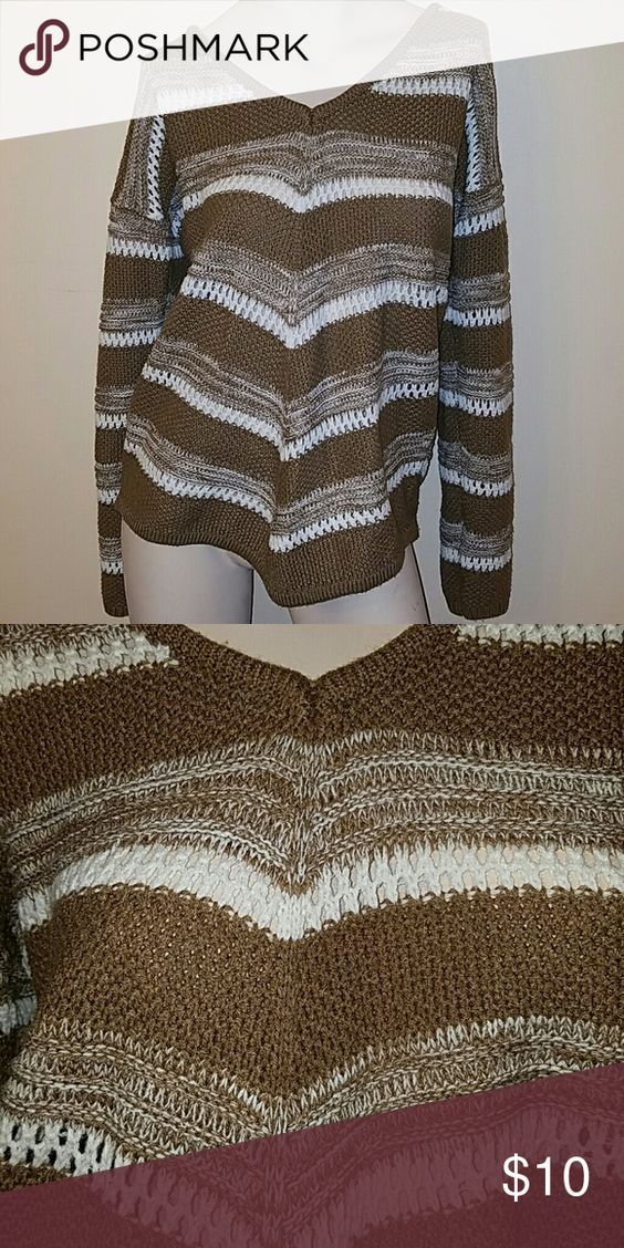 Ashley Blue Light brown and white sweater Light brown and white sweater Ashley Blue Sweaters
