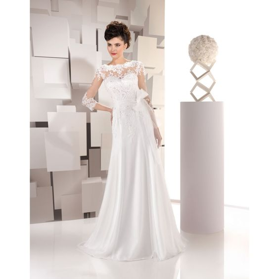robe mariée 165-45 JUST FOR YOU 2016 Disponible en magasin Rezzo mariage 26 avenue notre dame 06300 Nice 04 93 62 24 73
