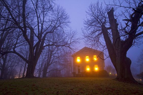 """New Jersey Family Flees Home After Receiving Terrifying Letters From """"The Watcher"""" - GoodHousekeeping.com"""