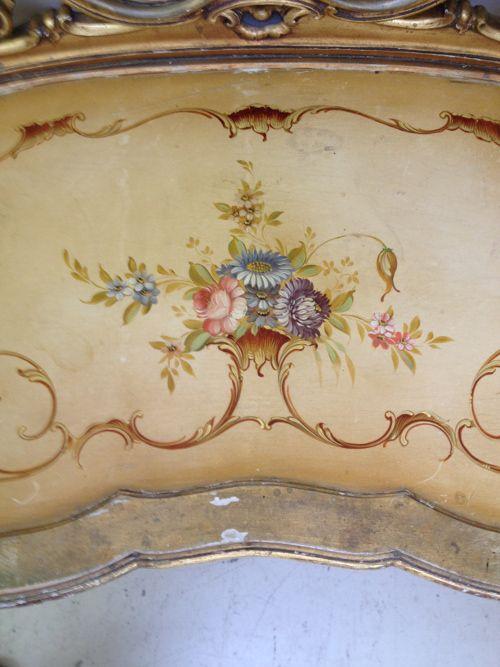 A551 Italian Giltwood Dressing Table