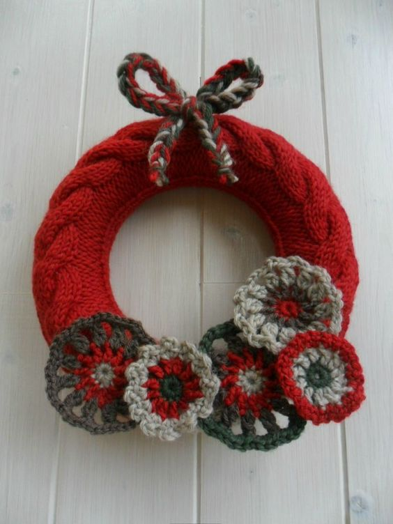 Couronne de no l f tes pinterest tricot et - Decoration couronne de noel ...