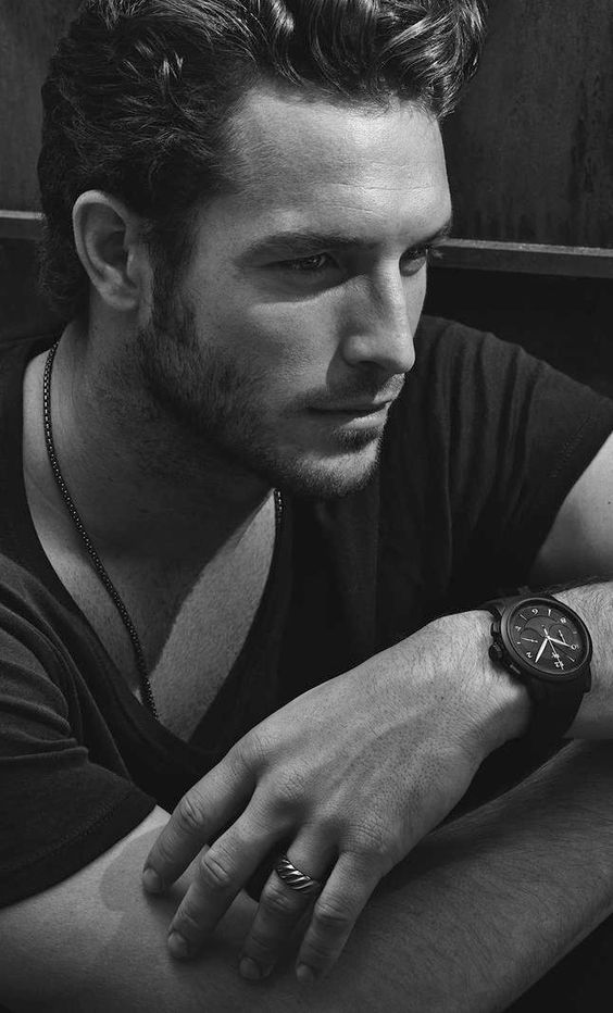 Justice Joslin - Damn he's beautiful. Gotta find a shirtless pic...wait for it.