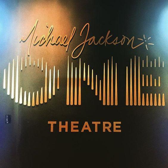 Michael Jackson ONE #one #michaeljackson #michaeljacksonone #michaeljacksononeshow #mandalay #theatre #onetheatre #bestshowever #music #kingofpop #pop #moonwalk