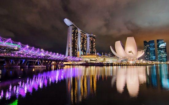 Marina Bay Sands ấn tượng khi về đêm