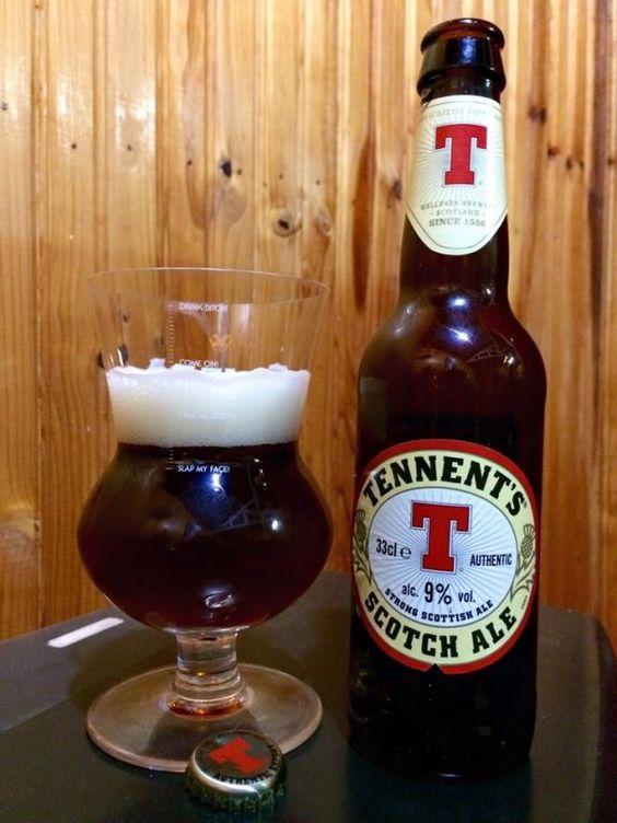 Cerveja Tennent's Scotch Ale, estilo Barley Wine, produzida por Wellpark, Escócia. 9% ABV de álcool.