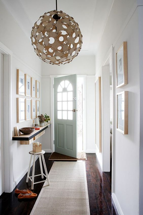 The entrance is the first and the last room in your home that every guest will see. And that's why the stylist Jo Carmichael and the photographer Sam Mcadam-Cooper worked together on a project how to