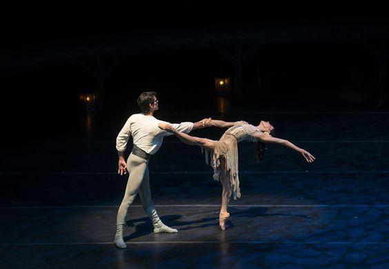 Carmen: Natalia Berríos y Don José: José Manuel Ghiso. Foto: Patricio Melo