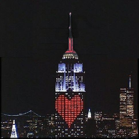 If I love someone enough to get married again then I think that the perfect most romantic place to get engaged is the top of the empire state building on valentines day. (Valentine's Day - NYC):
