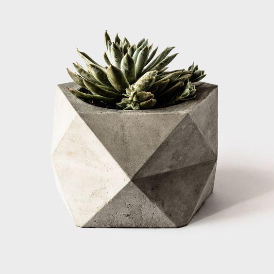 Gran plantador geométrico concreto: