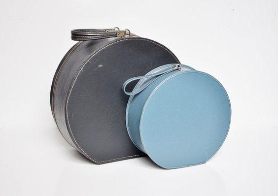Powderblue Runde Koffer Blue Train Case von thewhitepepper auf Etsy