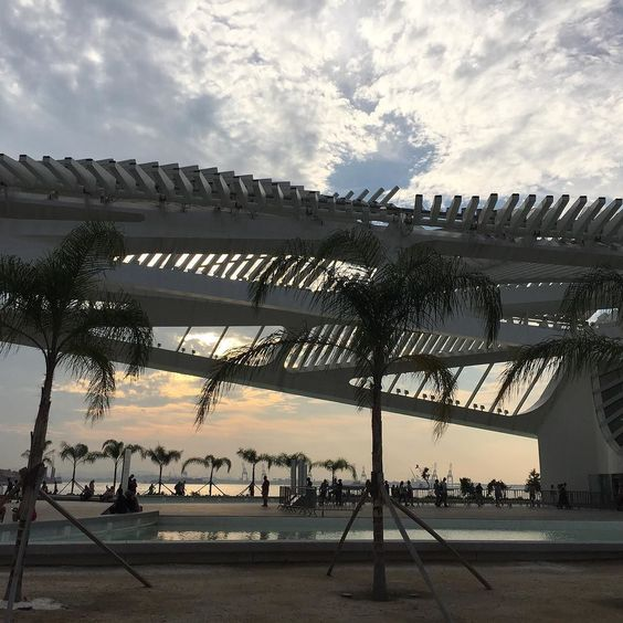 "Another incredible achievement of master Calatrava: Museu do Amanhã - ""O Amanhã é hoje. E hoje é o lugar da açao"" / Museum of Tomorrow ""The Tomorrow is today. And today is the place for action"" #amazing #now #nofilter #artlover #architecture #archilovers #brazil #rio #riodejaneiro #nature #sustainability #tomorrow #colorlove #sunset #happymoments #traveler Re-post by Hold With Hope"