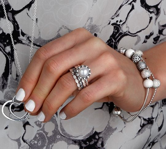 Go all white for all details; nails, rings, bracelet #PANDORAmagazine