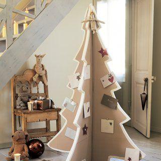 Réaliser un sapin de Noël en bois - Marie Claire Idées Plus
