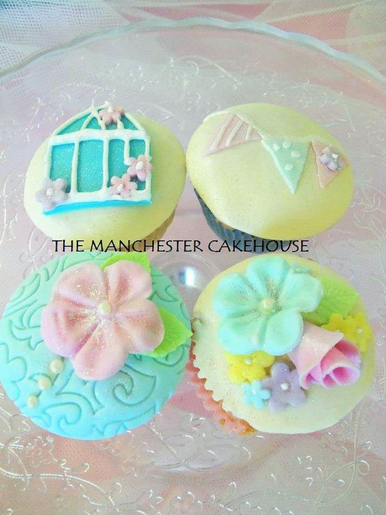 Vintage flower pearl birdcage cupcakes from The Manchester Cakehouse!