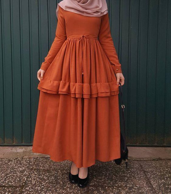 Genc Kadinlar Icin Tesettur Elbise Modelleri Kadinev Com Elbise Modelleri Elbise Giyim