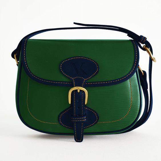 Mindi Mix It Up Verde - A.Marino. Añade nuevos colores al diseño original inspirados en las nuevas tendencias de primavera-verano.  Esto lo convierte en un bolso único para gustos refinados.